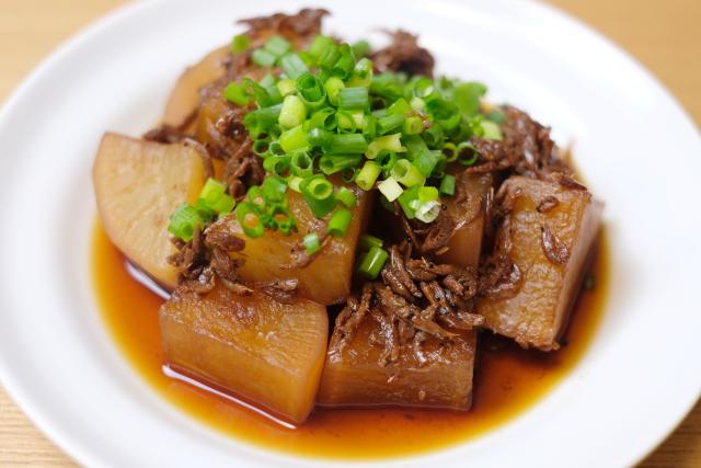 岡山県の郷土料理「アキアミと大根の煮付け」